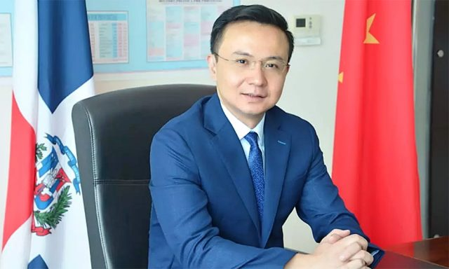 Zhang Run, embajador de China en República Dominicana.