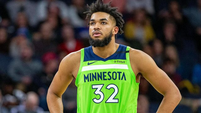 Karl-Anthony Towns dio positivo al COVID-19